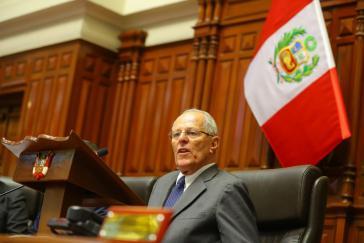 Perus Präsident Kuczysnki während der Abstimmung  im Kongress über ein Amtenthebungsverfahren am 21. Dezember 2017