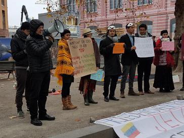 Aktivisten protesierten vor dem Auswärtigen Amt in Berlin gegen eine verstärkte wirtschaftliche Zusammenarbeit zwischen Kolumbien und Deutschland