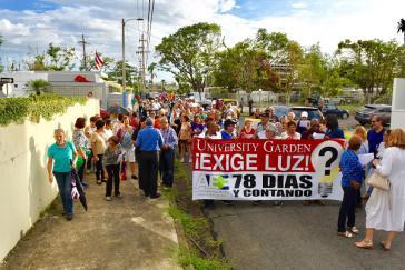 Bewohner eines Stadtteils von San Juan, der Hauptstadt von Puerto Rico, protestieren gegen den anhaltenden Stromausfall