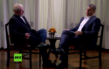 Lula da Silva, Mitgründer der Arbeiterpartei, erklärt im Gespräch mit Rafael Correa die Hintergründe der politischen Krise in Brasilien (Sreenshot)