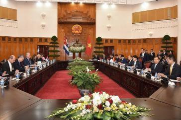 Die kubanische Delegation traf in Hanoi mit Regierungsvertretern Vietnams zusammen