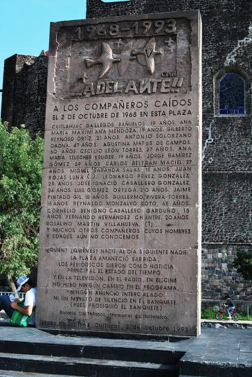 Gedenkstein zum Massaker von Tlatelolco, Plaza de las Tres Culturas, Mexico-Stadt