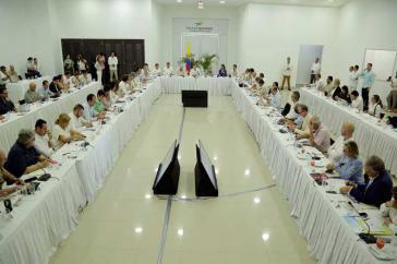 Vertreter der Regierung von Kolumbien, der Farc, des Csivi und Begleiter des Friedensprozesses trafen sich am Samstag in Cartagena