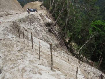 Umweltzerstörung - verursacht durch das Unternehmen Hidrocep am Fluss Mezapa