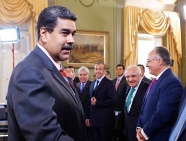 Präsident Maduro traf wenige Tage nach seiner Wiederwahl mit Vertretern der Bankenvereinigung von Venezuela zusammen, um Auswege aus der schweren wirtschaftlichen Krise des zu beraten.