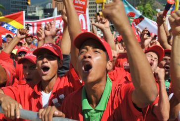 Zehntausende Venezolaner marschierten am 4. Februar die Avenida Urdaneta von Caracas in Richtung Präsidentenpalast hinauf