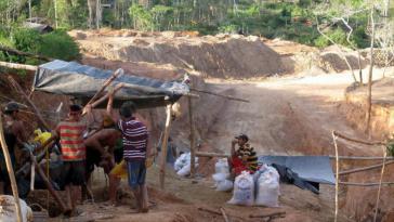 Illegaler Bergbau nahe der Goldmine Cicapra de Guasipati im südöstlichen Bundesstaat Bolívar in Venezuela