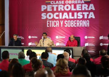 """Venezuelas Präsident Nicolás Maduro will die staatliche Erdölgesellschaft PDVSA durch eine """"interne Revolution"""" retten"""
