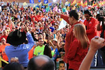 Venezuelas Präsident Maduro bei der Vereidigung seines Wahlkampfteams für die Präsidentschaftswahlen am 20. Mai