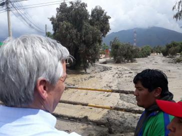 Eine Schlammlawine in dem kleinen Ort Tiquipaya, Bolivien, forderte fünf Todesopfer und zerstörte zahlreiche Häuser