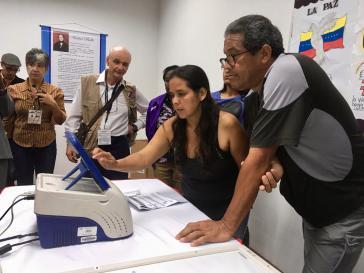 Bei der Auszählung der Wahlen in Venezuela. Die EU erkennt den Urnengang nicht an