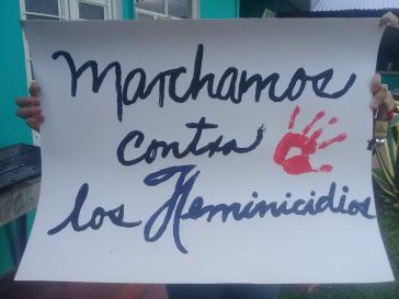 """""""Wir demonstrieren gegen Mord an Frauen"""". Transparent bei einer Demonstration in Mexiko"""