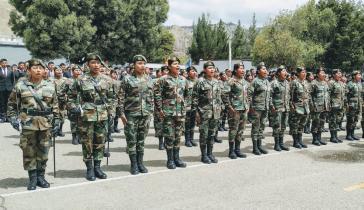 Erste weibliche Generation des Militärdienstes