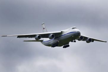 Eine Transportmaschine Antonov An-124 der russischen Luftwaffe mit 35 Tonnen Fracht soll am Samstag in Venezuela gelandet sein