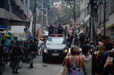 In Rio de Janeiro sterben am Tag fünf Menschen durch Polizeigewalt.