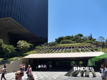 Brasiliens Präsident Jair Bolsonaro treibt Chef der brasilianischen Entwicklungsbank Joaquim Levy aus dem Amt