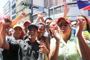 Gute Stimmung bei Regierungsanhängern auf den Kundgebungen zum 1. Mai