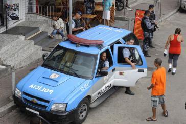 Verstrickungen der Polizei von Rio in Schutzgelderpressungen und Unterstützung des organisierten Verbrechens