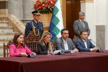 Jeanine Áñez beginnt einen diplomatischen Streit mit Mexiko und Spanien