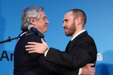 Ihr Maßnahmenpaket wurde angenommen: Argentiniens Präsident Fernández und Wirtschaftsminister Guzmán