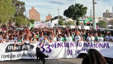 Abschlussdemonstration des 33. Nationalen Frauentreffens in Argentinien