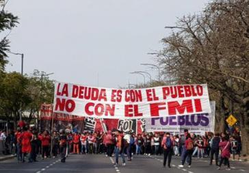 """""""Die Schulden bestehen gegenüber dem Volk, nicht gegenüber dem IWF"""": Proteste in Buenos Aires am 28. August"""