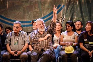Esteban Castro (mit Bart) ist zum Generalsekretär der Utep gewählt worden