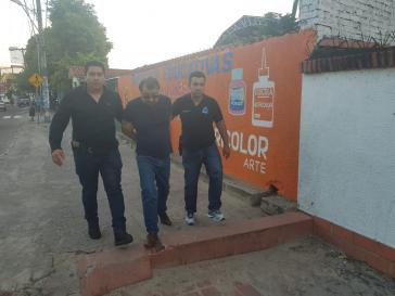 Dieses Foto von der Festnahme Cesare Battistis in Santa Cruz veröffentlicht die italienische Staatspolizei am 13. Januar auf ihrem Twitter-Account