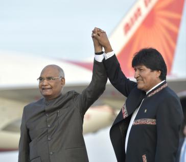 Die Präsident von Indien, Ram Nath Kovind, und Bolvien, Evo Morales