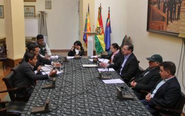 Die Verfassungskommission des Senats diskutiert die Gesetzesprojekte zu Neuwahlen