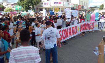 """""""Bolsonaro ist ein Feind der Bildung"""" stand gestern auf vielen Plakaten."""
