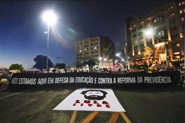 Die Proteste richteten sich auch gegen Streichungen bei der Bildung und die Inhaftierung Lulas