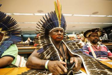 Vertreter der indigenen Gemeinschaften bei dem offiziellen Akt im Obersten Gerichtshof