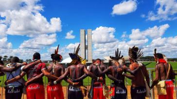Rund 4.000 Indigene protestieren vom 24. bis 26. April am brasilianischen Regierungssitz