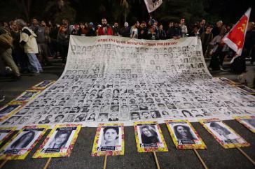"""Tausende protestierten am Montag in São Paulo unter dem Motto """"Nie wieder Diktatur"""" gegen die Nominierungen Bolsonaros"""