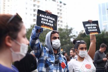 """""""Amazonien brennt"""": Proteste gegen die Regierung Bolsonaro in São Paulo"""