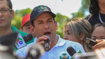 Der Oppositionspolitiker Fernando Camacho versucht hingegen alles, die Wahl noch irgendwie anzufechten - bisher erfolglos