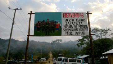 Willkommensschild am Eingang zum Caracol La Realidad