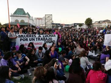 """""""Frauen kämpfen für würdige Arbeit"""": Auch ein wichtiges Thema beim Frauenstreik"""