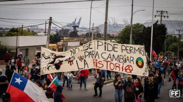 """Ein Motto der Demonstrationen in Chile: """"Man fragt nicht um Erlaubnis, um die Geschichte zu ändern"""""""