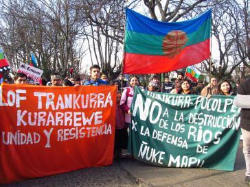 """""""Nein zur Zerstörung der Flüsse"""": Mapuche wehren sich gegen das geplante Wasserkraftwerk """"Pasada Agua Viva"""""""