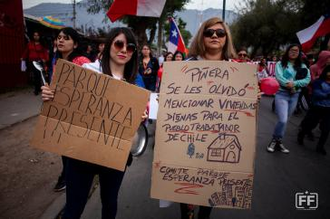 Die Protestierenden fordern unter anderem auch würdigen Wohnraum