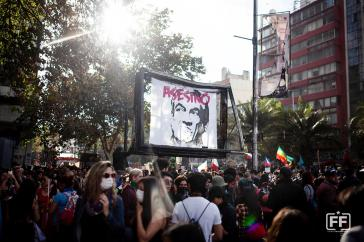 """"""" Piñera - Mörder"""". Erstmals gelang es dem Demonstrationszug in Santiago, bis zum Regierungsgebäude vorzudringen"""