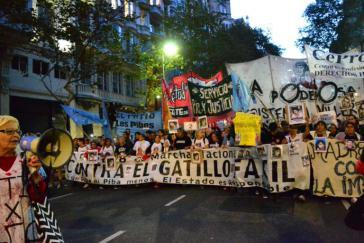Nach dem Tod von vier jungen Menschen in der Provinz Buenos Aires, mutmaßlich durch Polizeigewalt, kam es in der Hauptstadt zu starken Protesten