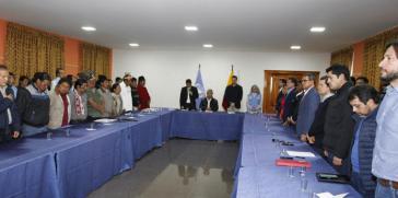 """Indigene und Regierung haben am späten Sonntagabend vereinbart, das Dekret zu Streichung der Subventionen von Treibstoff """"ersetzen"""" zu wollen"""