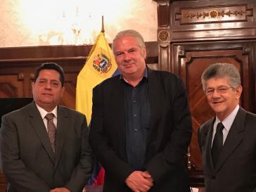 Hunko mit Edgar Zambrano (links) und Henry Ramos Allup, Parlamentsabgeordneten der oppositionellen Acción Democrática
