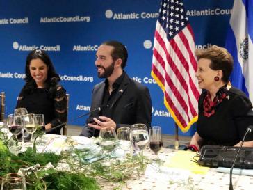 Dinner des Atlantic Council zu Ehren Buḱeles am 8. Mai in Washington. Politiker, Unternehmer und OAS-Generalsekretär Almagro waren geladen
