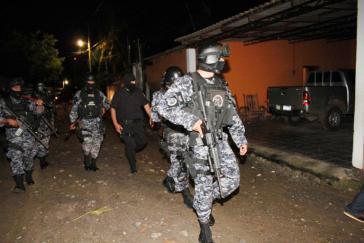 Spezialeinheit der Nationalen Zivilpolizei bei einem Einsatz gegen Banden im Osten des Landes