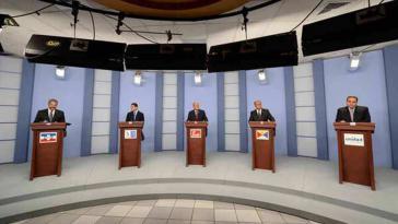 Kandidaten für die Präsidentschaft in El Salvador in der TV-Debatte (Screenshot)