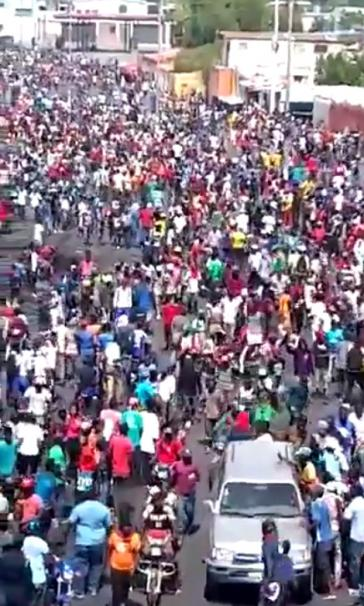 Demonstrationszug zum Präsidentenpalast in Port-au-Prince am 11. Oktober